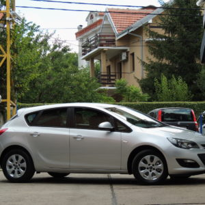 Opel Astra J 1.7Cdti Business Led 2014
