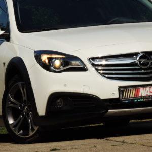 Opel Insignia 2.0CdtiCountryTourerCosmoNavi 2015