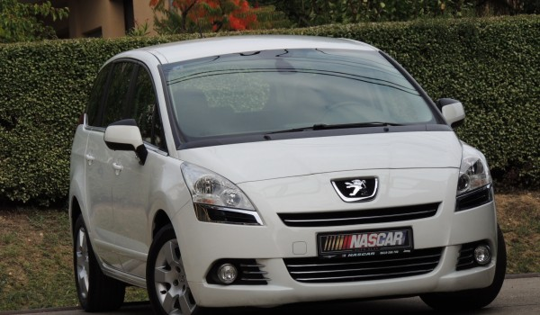 Peugeot 5008 2.0HdiBusinessN1 2013