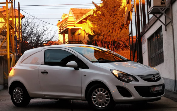 Opel Corsa D 1.3Cdti Expression 2014. god.