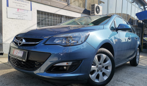 Opel Astra J 1.7Cdti BusinessLed 2015. god. PRODATO