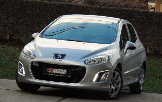 06.2013 Peugeot 308 1.6Hdi BusinessNavi