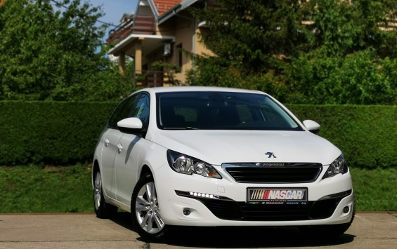 PEUGEOT 308 1.6 BlueHdi Navi Led 2016. god. REZERVISAN