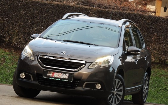 Peugeot 2008 1.6eHdiAutomatic Led 2014