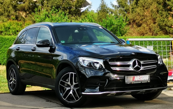 Mercedes Benz GLC 220 4Matic 9G-TRONIC AMG 2016. god.