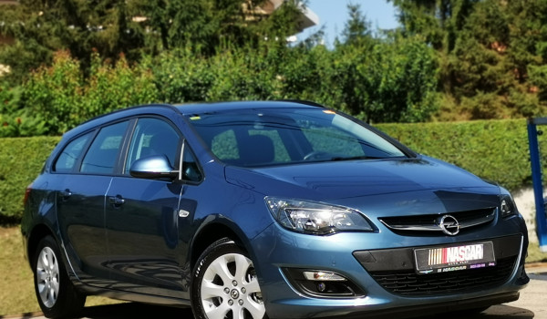 Opel Astra J 1.7Cdti BusinessLed 2014. god.