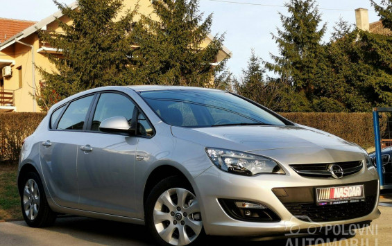 Opel Astra J 1.6CdtiBusinessLed 2015. god.