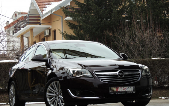 Opel Insignia 2.0Cdti Excelence Plus 2014.god.
